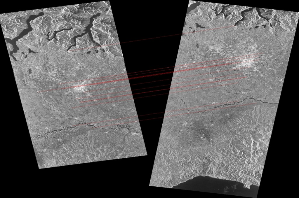 Example of image co-registration Sentinel-1 Stripmap collected in northern Italy from different orbits (ascending on the left and descending on the right). Copernicus Sentinel data [2015]. Data processing: Politecnico di Milano.